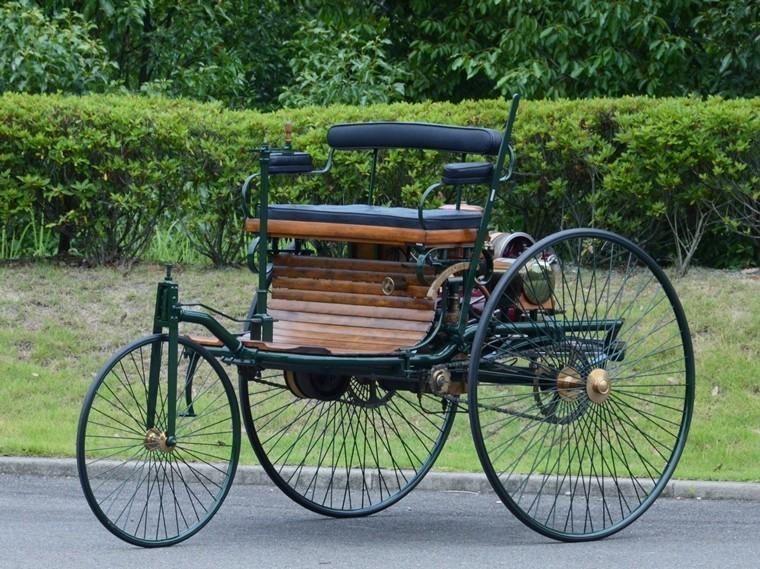 豆知識】キュニョーの砲車にフォードT型…自動車の歴史を語る上で欠かせ ...