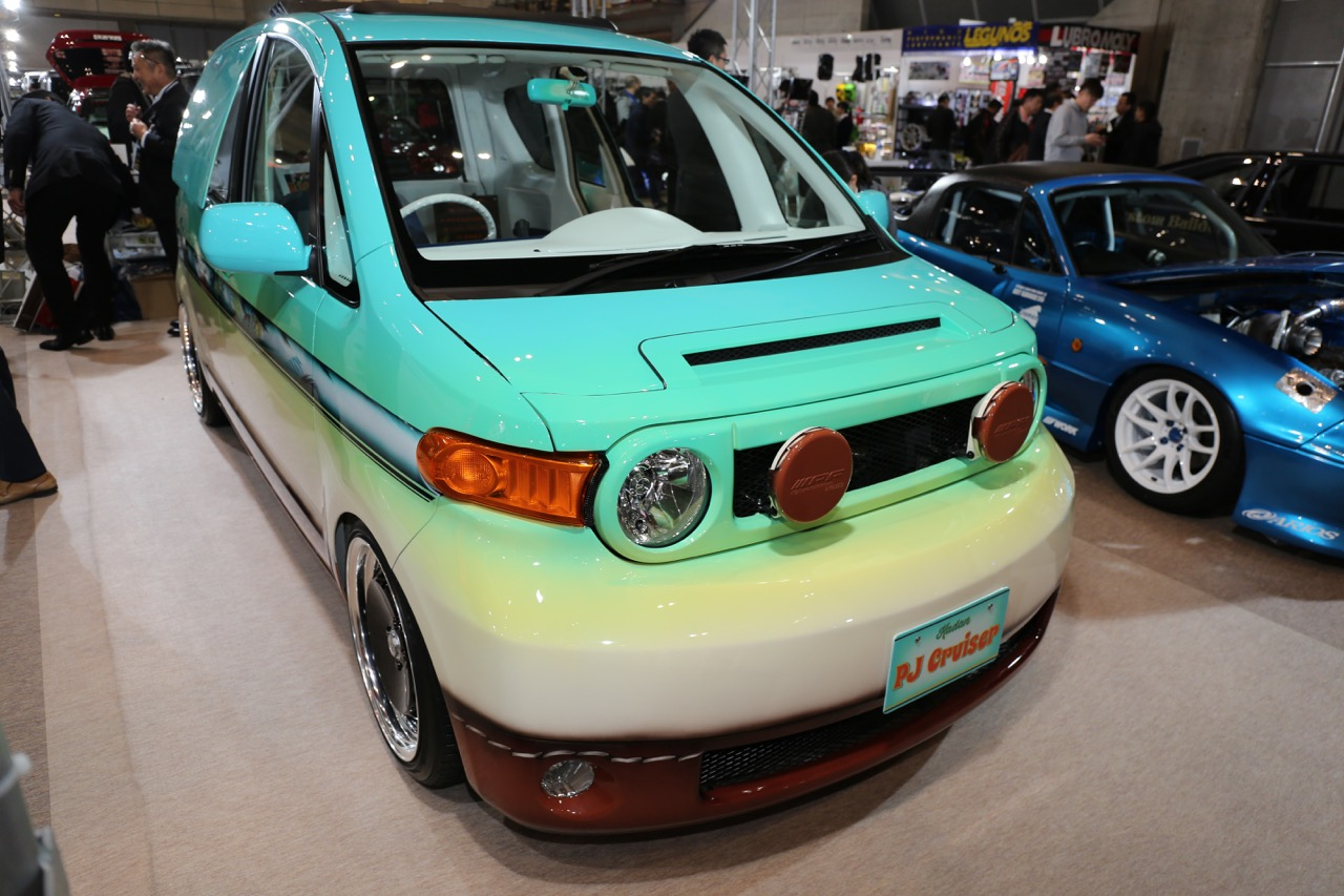 tas18_customcar_05