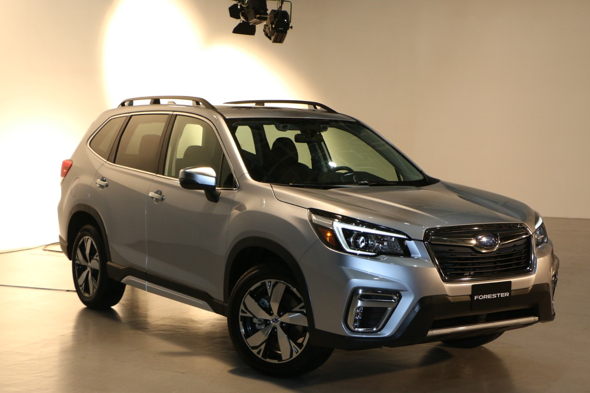 948_forester_us_01