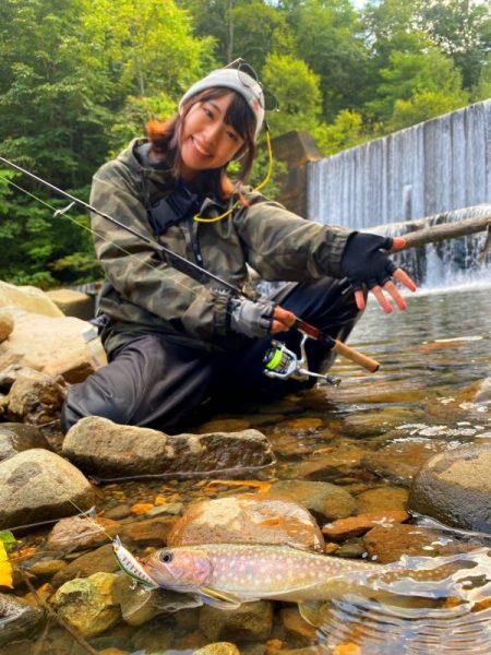 ガール 釣り 可愛い釣りガールのSNS(インスタ・ツイッター・youtube)で人気ランキングトップ10